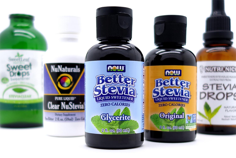 Vertailun viisi parasta stevia-nestettä yhteiskuvassa